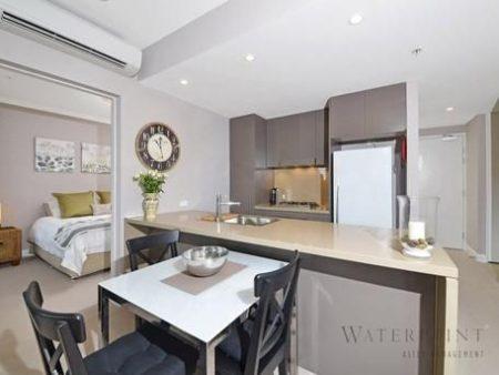 Australia Towers 5.13 // 2 Bed 2 Bath Modern Apartment with Balcony