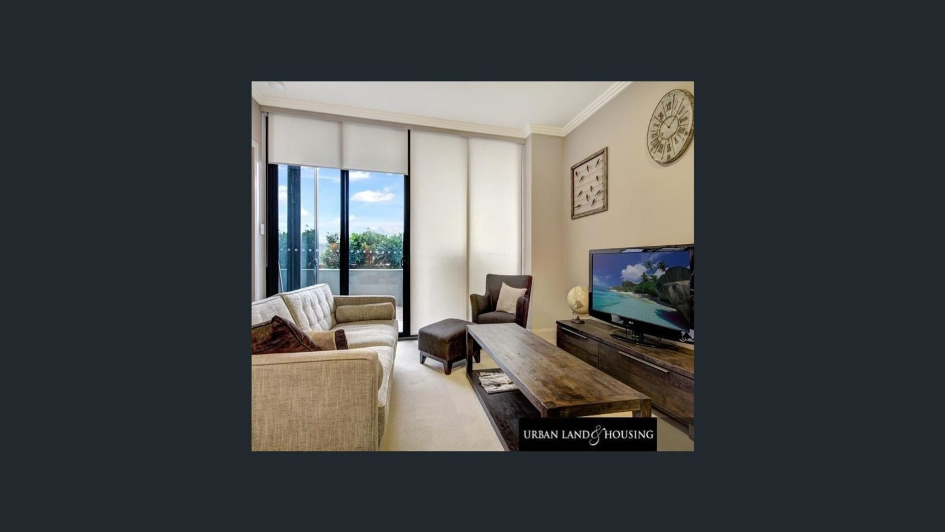Australia Towers 1.03 // 1 Bed Apartment, Newly Furnished with Courtyard